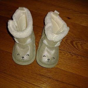 Bany girl beary cute boots!